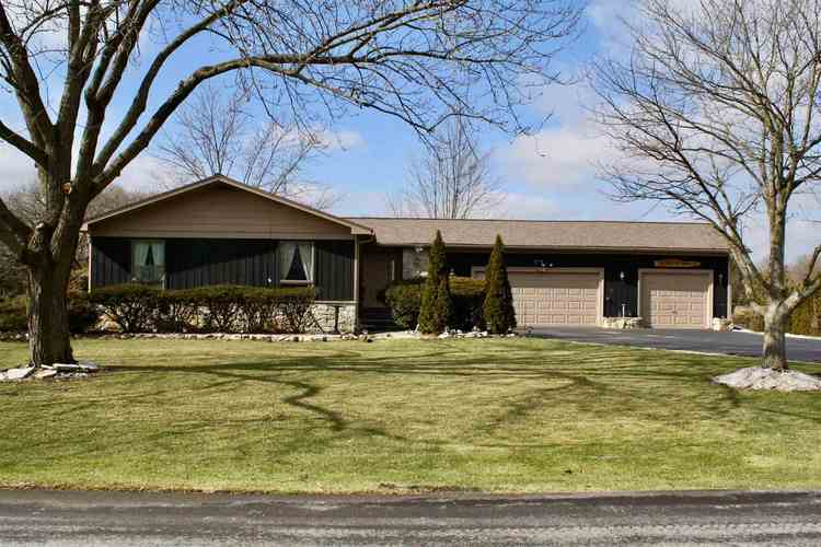 215  Highland Avenue Ossian, IN 46777 | MLS 201905393