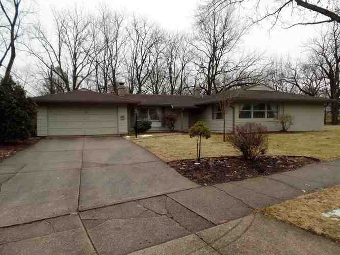 3318  Springbrook Drive South Bend, IN 46614-2348 | MLS 201905402