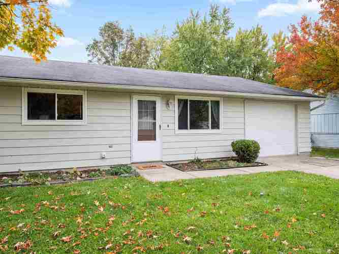 6114  Becker Drive Fort Wayne, IN 46835-2104 | MLS 201905419