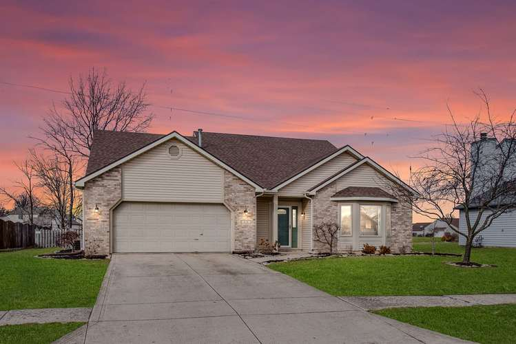 626  Darlington Court Fort Wayne, IN 46825 | MLS 201905665