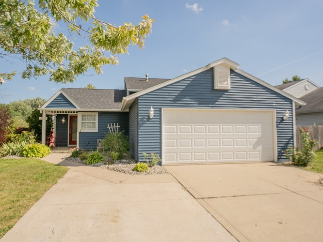 7712  Saddlewood Drive Fort Wayne, IN 46825 | MLS 201905669