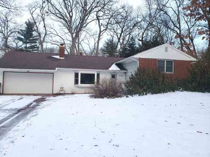 53146  Oakmont Central Drive South Bend, IN 46637 | MLS 201905955