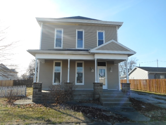 211 S Main Street Haubstadt, IN 47639 | MLS 201907324