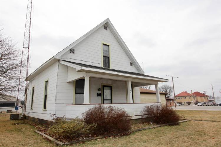 210 E North A Street Gas City, IN 46933-1428 | MLS 201907424