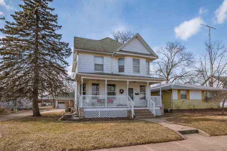 841 S 26th Street South Bend, IN 46615 | MLS 201907428