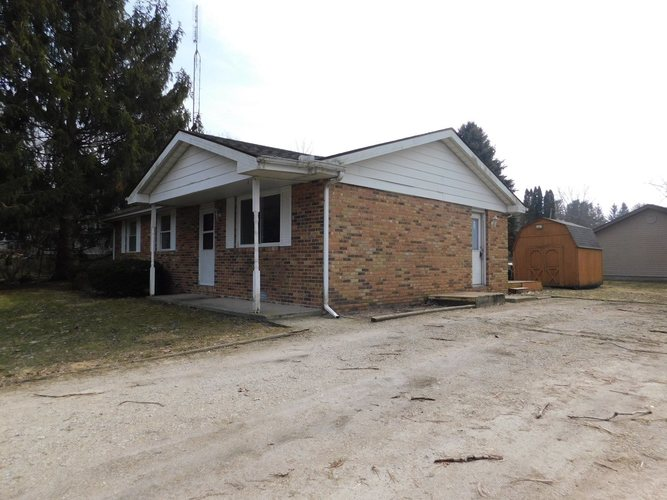 207  Sunset Drive North Manchester, IN 46962   MLS 201907520