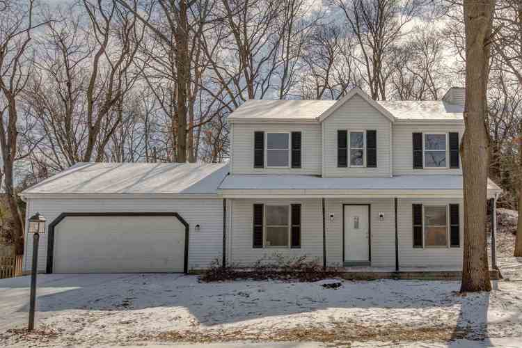 2204 Spring Hill Drive South Bend, IN 46628 | MLS 201907778 | photo 1
