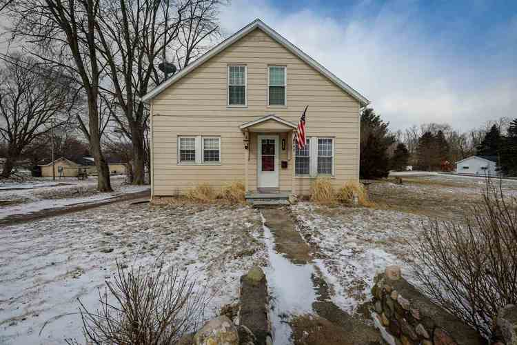 602  Lincolnway Road Ligonier, IN 46767-1123 | MLS 201907920
