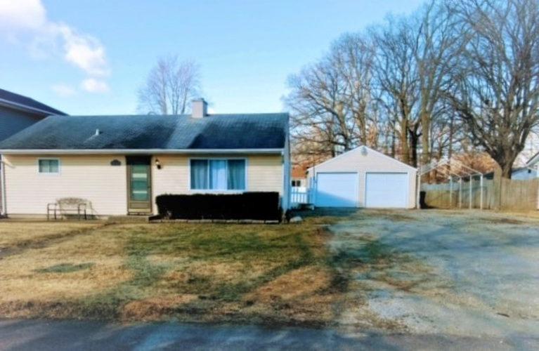 2112  Southfield Drive Fort Wayne, IN 46804 | MLS 201908014