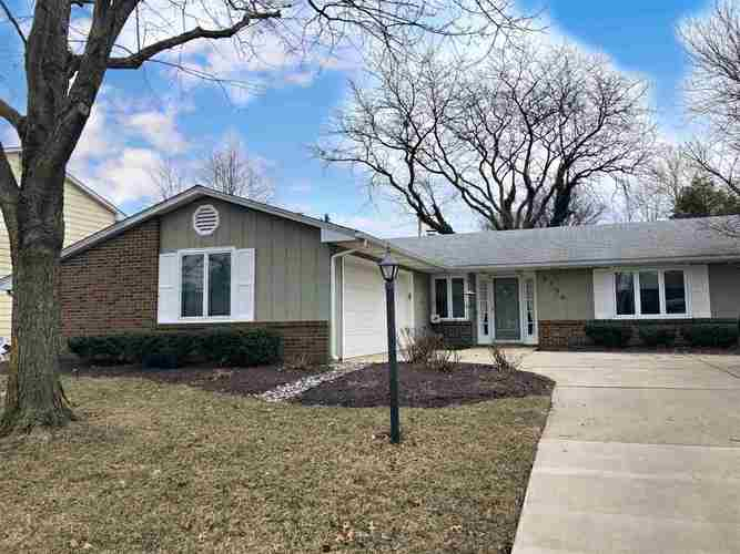 2730  Hollendale Drive New Haven, IN 46774-1016 | MLS 201908192