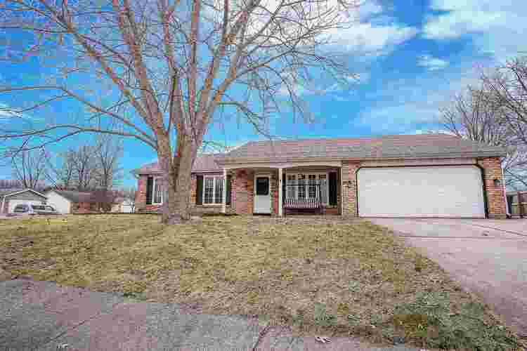 4607  Larkspur Drive Fort Wayne, IN 46835-4042 | MLS 201908280