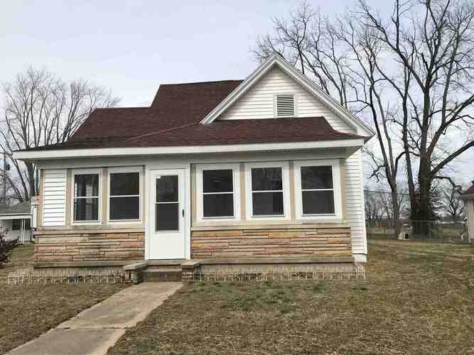 107 W Grissom Avenue Mitchell, IN 47446 | MLS 201908743
