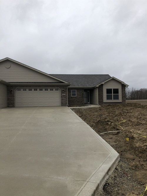 456  Crown Hill Drive Huntington, IN 46750-8459 | MLS 201908985