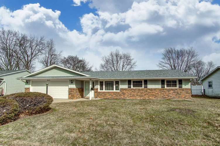 5002  Maple Terrace Parkway Fort Wayne, IN 46835 | MLS 201909207