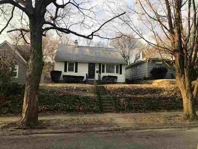 1124 E Victoria Street South Bend, IN 46614-1446 | MLS 201909214