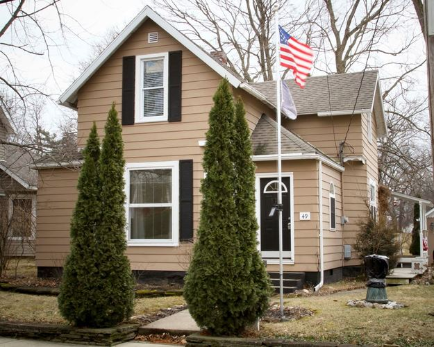 49 E Center Street Williamsport, IN 47993 | MLS 201910087