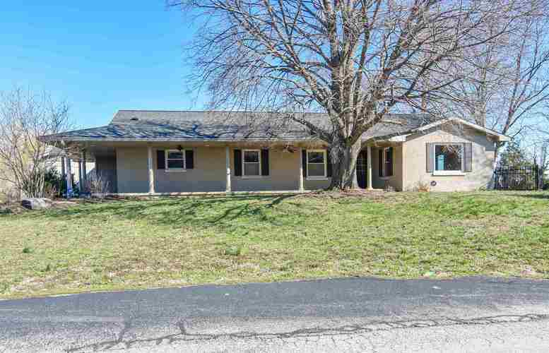 2072 W 1300 S  Haubstadt, IN 47639 | MLS 201910261