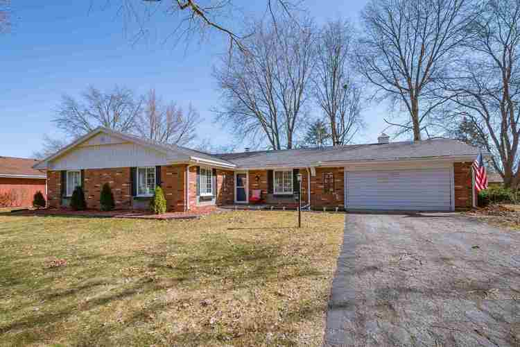 6114 S Gotham Drive South Bend, IN 46614 | MLS 201910564