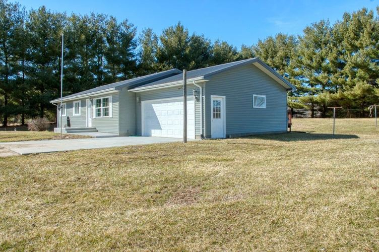 7405  State Road 17 Road Plymouth, IN 46563-9492 | MLS 201910567
