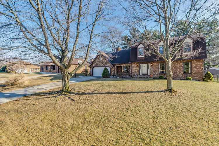 17928  Dorset Drive South Bend, IN 46635-1126 | MLS 201910771