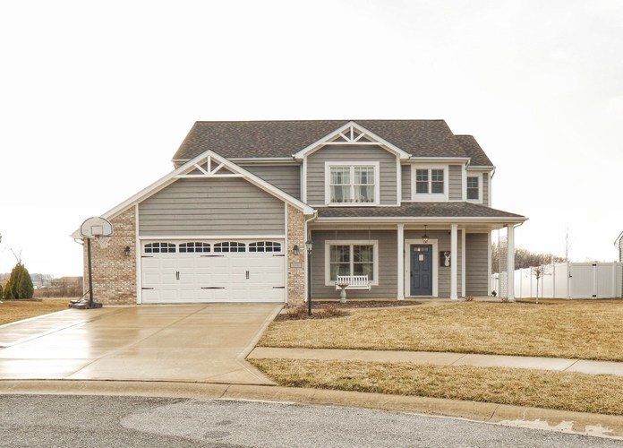 376  Cabrillo Court Fort Wayne, IN 46818-9237 | MLS 201911008