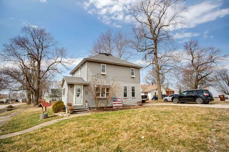 202 N Wabash Street Ashley, IN 46705 | MLS 201911981