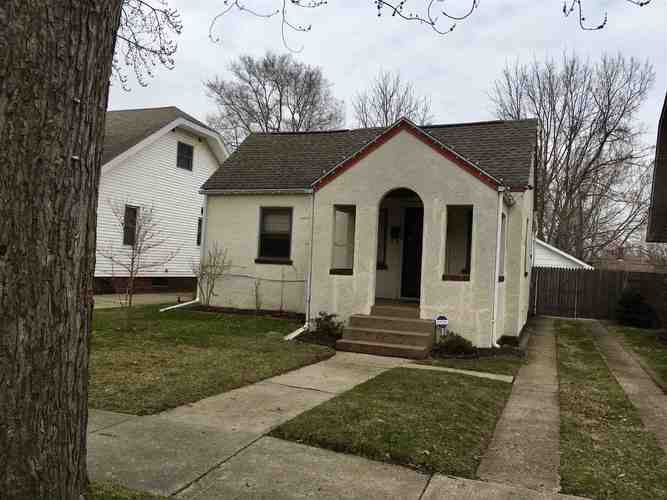 1123 E Victoria Street South Bend, IN 46614-1445 | MLS 201912302