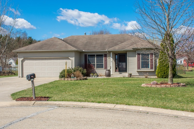 57833  Weathered Pine Court Elkhart, IN 46517-8811   MLS 201912804
