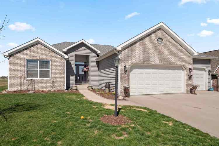 2467 E Whispering Trail Columbia City, IN 46725-7579 | MLS 201912914