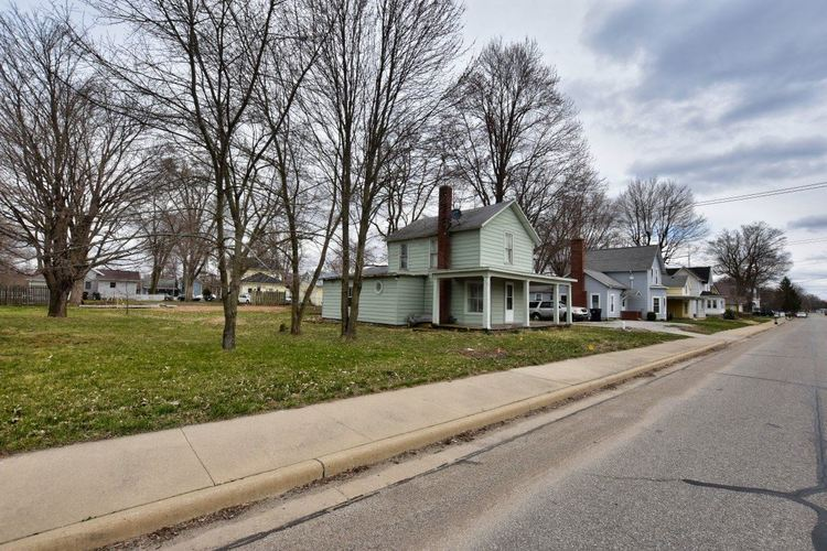 1290 W Main Street W Pleasant Lake, IN 46779 | MLS 201912920 | photo 2