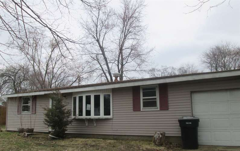 53214  Peggy Avenue South Bend, IN 46635-1447 | MLS 201913023
