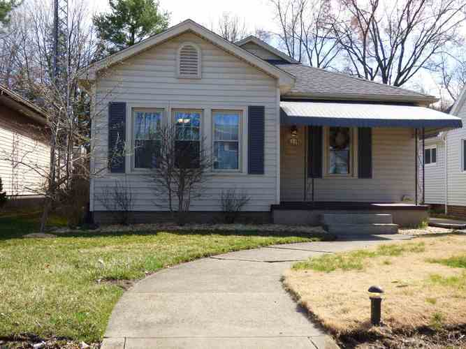 1234 E Victoria Street South Bend, IN 46614-1448 | MLS 201913025