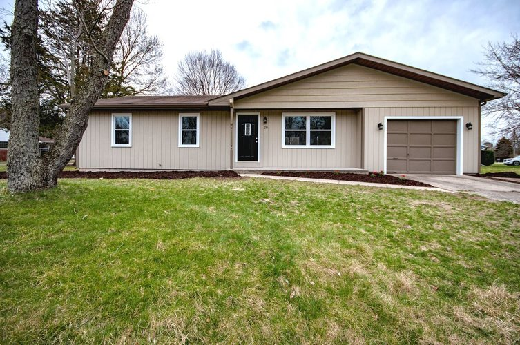 28  Shore Manor Drive Bristol, IN 46507 | MLS 201913196