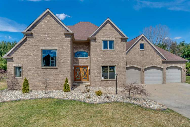 13041  Fountain Court Granger, IN 46530-4744 | MLS 201913197