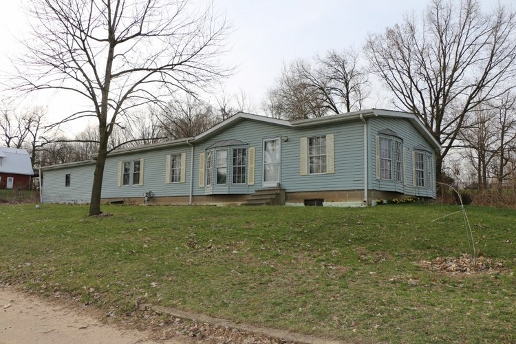 51617 E County Line Road Middlebury, IN 46540   MLS 201913349