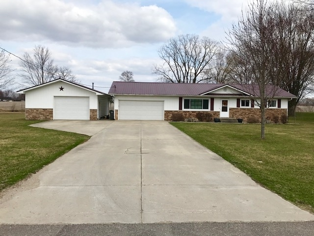 64182  County Road 3  Wakarusa, IN 46573-9783 | MLS 201913363