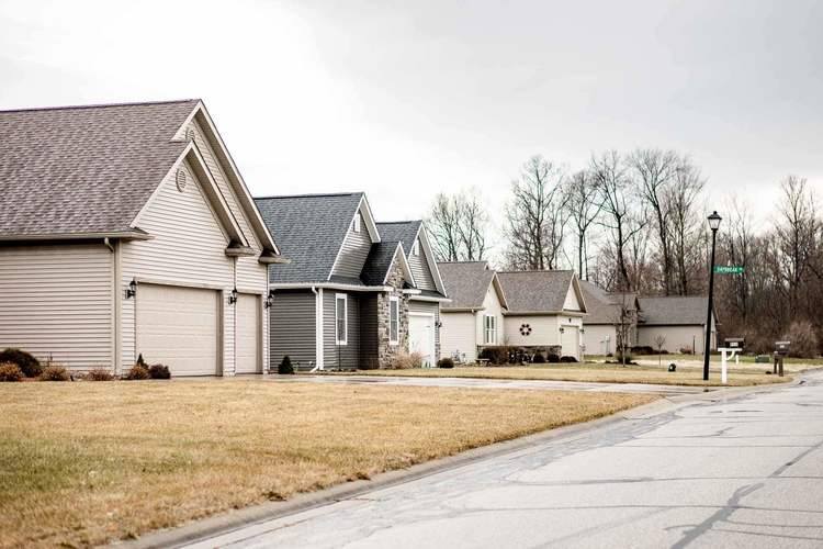 507 Somerfield Drive Lakeville, IN 46536 | MLS 201913381 | photo 6
