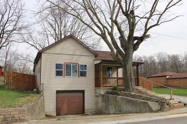 418  Locust Street Middletown, IN 47356-1433 | MLS 201913387