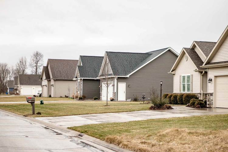 500 Daybreak Drive #62 Lakeville, IN 46536 | MLS 201913427 | photo 3