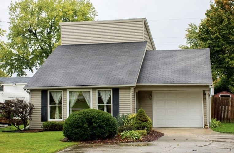 19555 Yoder Street South Bend, IN 46614 | MLS 201913520 | photo 1