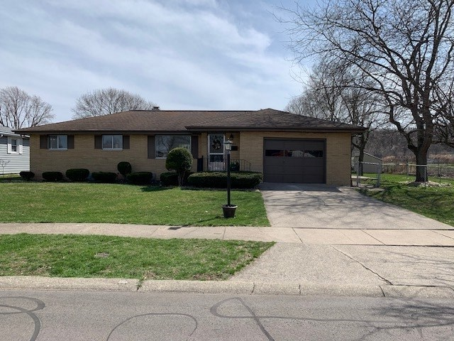 825 W 14TH Street Mishawaka, IN 46544 | MLS 201913584