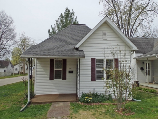 1335  Prairie Street Vincennes, IN 47591 | MLS 201913769