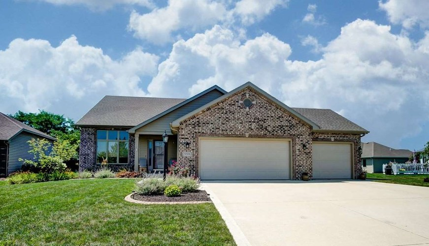 9318  Bobcat Trail Leo, IN 46765 | MLS 201914282
