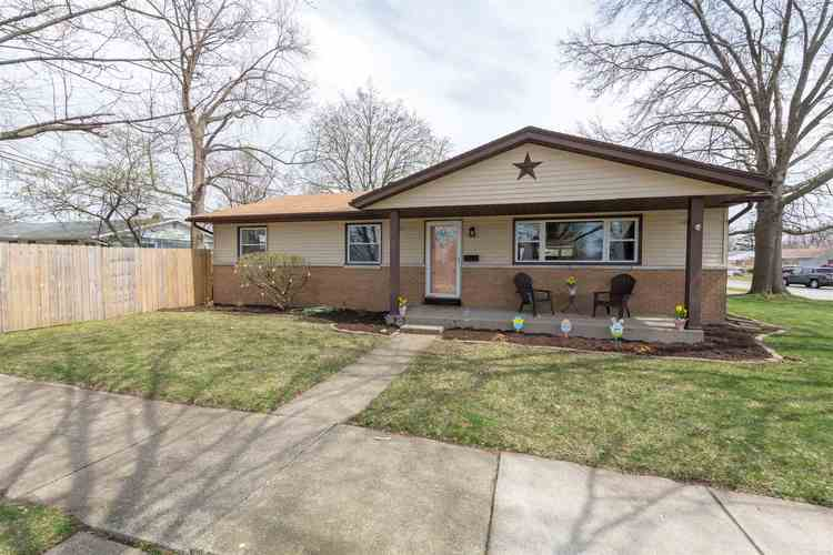 1506  Gordon Drive South Bend, IN 46635-1924 | MLS 201914473