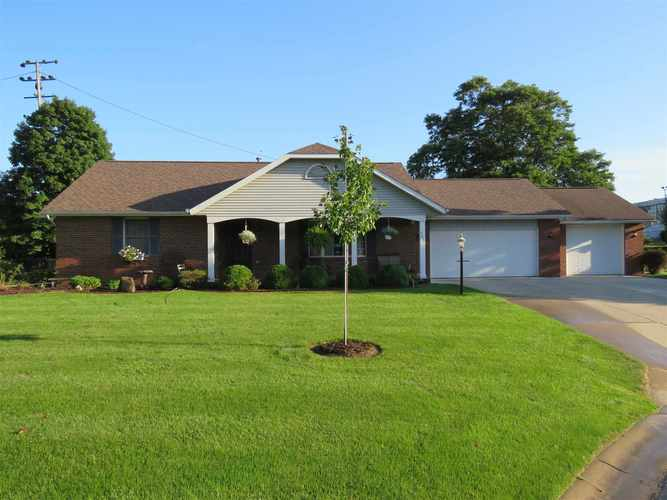 203 Eugene Drive Middlebury, IN 46540   MLS 201915262   photo 1