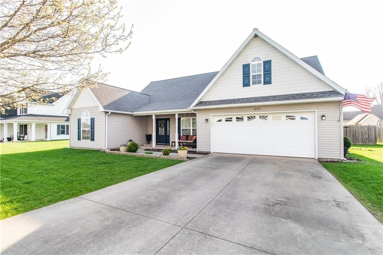 1193  Lakeside Way Gas City, IN 46933 | MLS 201915533