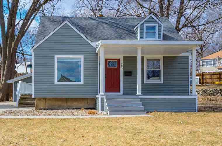 1905  Inglewood Place South Bend, IN 46616 | MLS 201916544