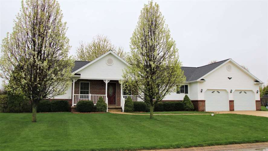 11903  Sunset Court Plymouth, IN 46563 | MLS 201916548