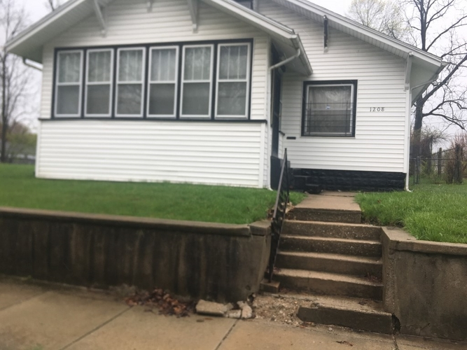 1208  BISSELL Street South Bend, IN 46617 | MLS 201916730