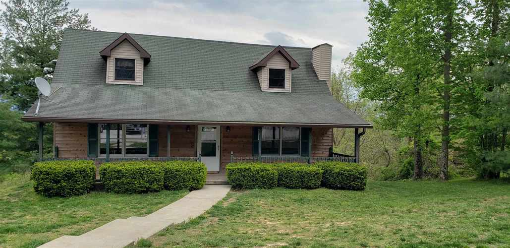 195 S State Road 45 Road Bloomfield, IN 47424 | MLS 201916851